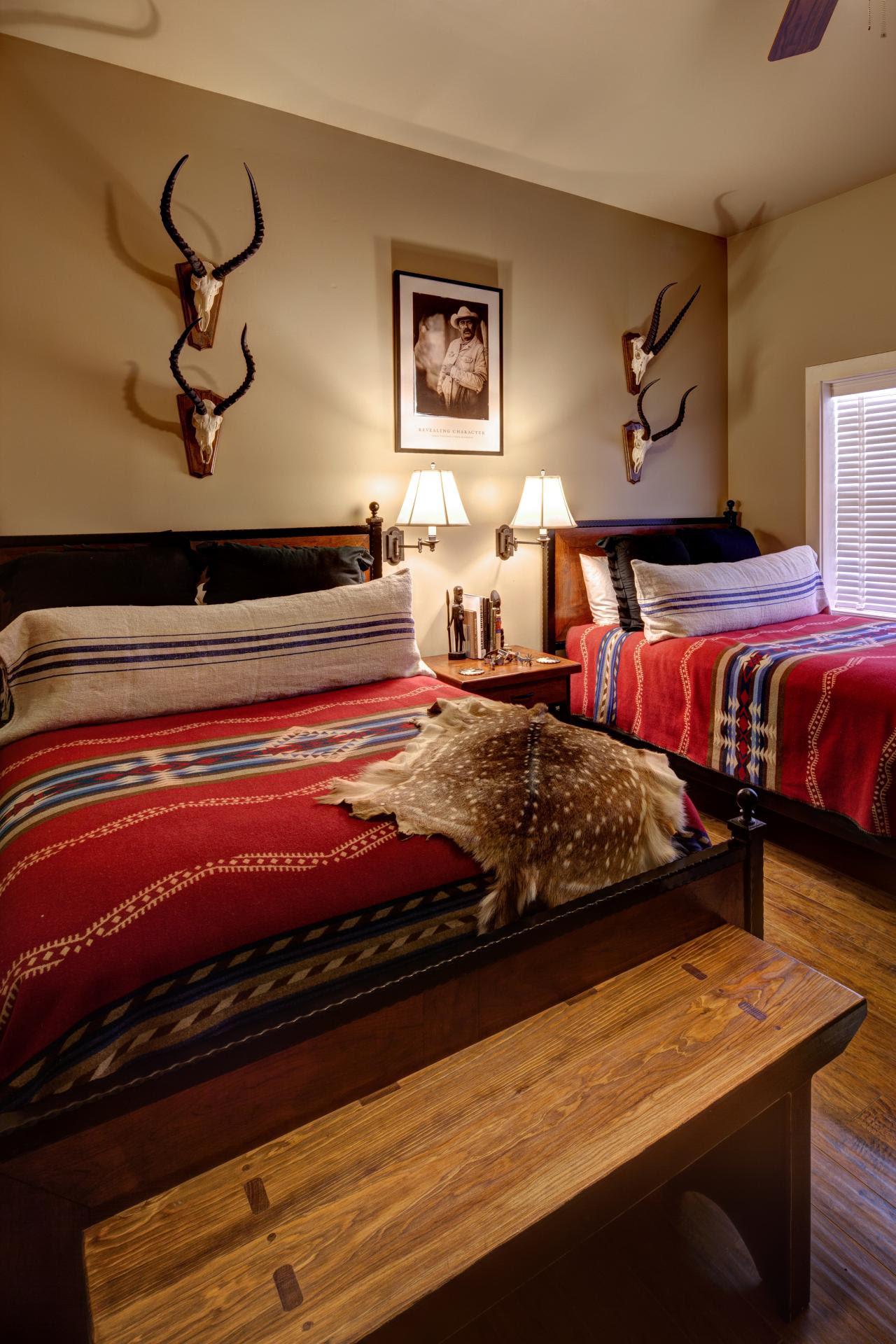 25 Southwestern Bedroom Design Ideas - Decoration Love