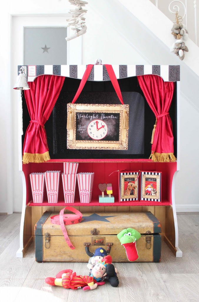 Welcome to the Starlight Puppet Theatre!