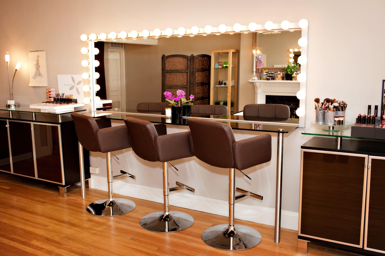 Makeup artist studio