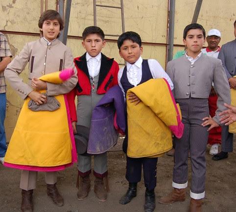 Niños toreros en Villa María del Triunfo
