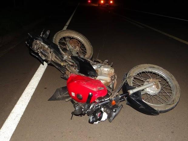 Motociclista foi atropelado e morreu na hora (Foto: Divulgação/ ItapoNews)