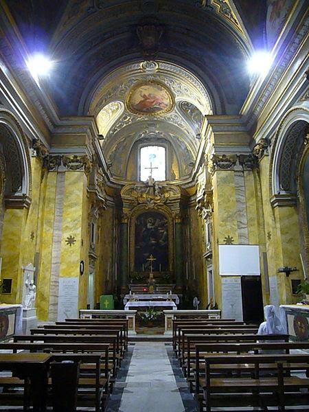 File:S Stanislao dei Polacchi - interno vert 1230801.JPG