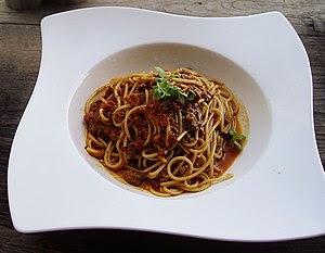 English: Shot of Spaghetti Bolognese
