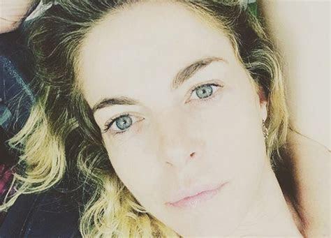 Claudia Gerini, bellissima al naturale