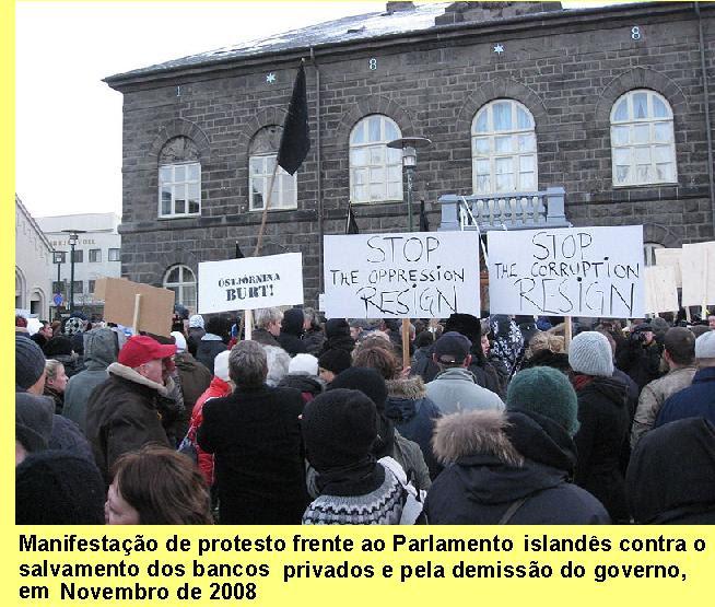 Manifestação frente ao Parlamento da Islândia.