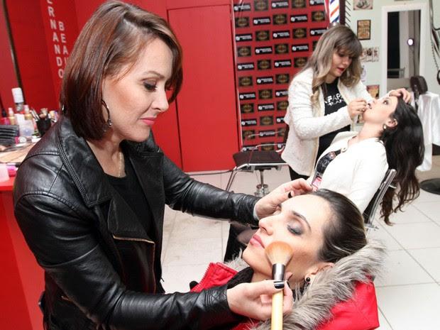Festa ainda tem espaço para serviços como corte de cabelo e maquiagem (Foto: Pedro Amatuzzi-Fotografia)