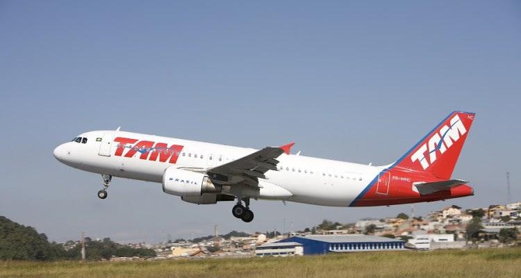 TAM A320 decolando 900pxi