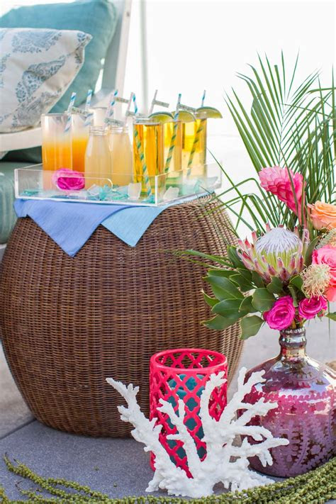 wedding decor tropical bouquet ideas beachy color