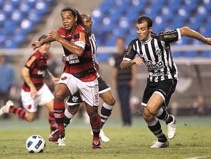 Ronaldinho Flamengo x Ceará (Foto: Alexandre Cassiano / Agência O Globo)