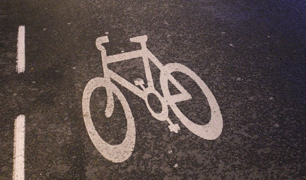 Sign of a bike on the road