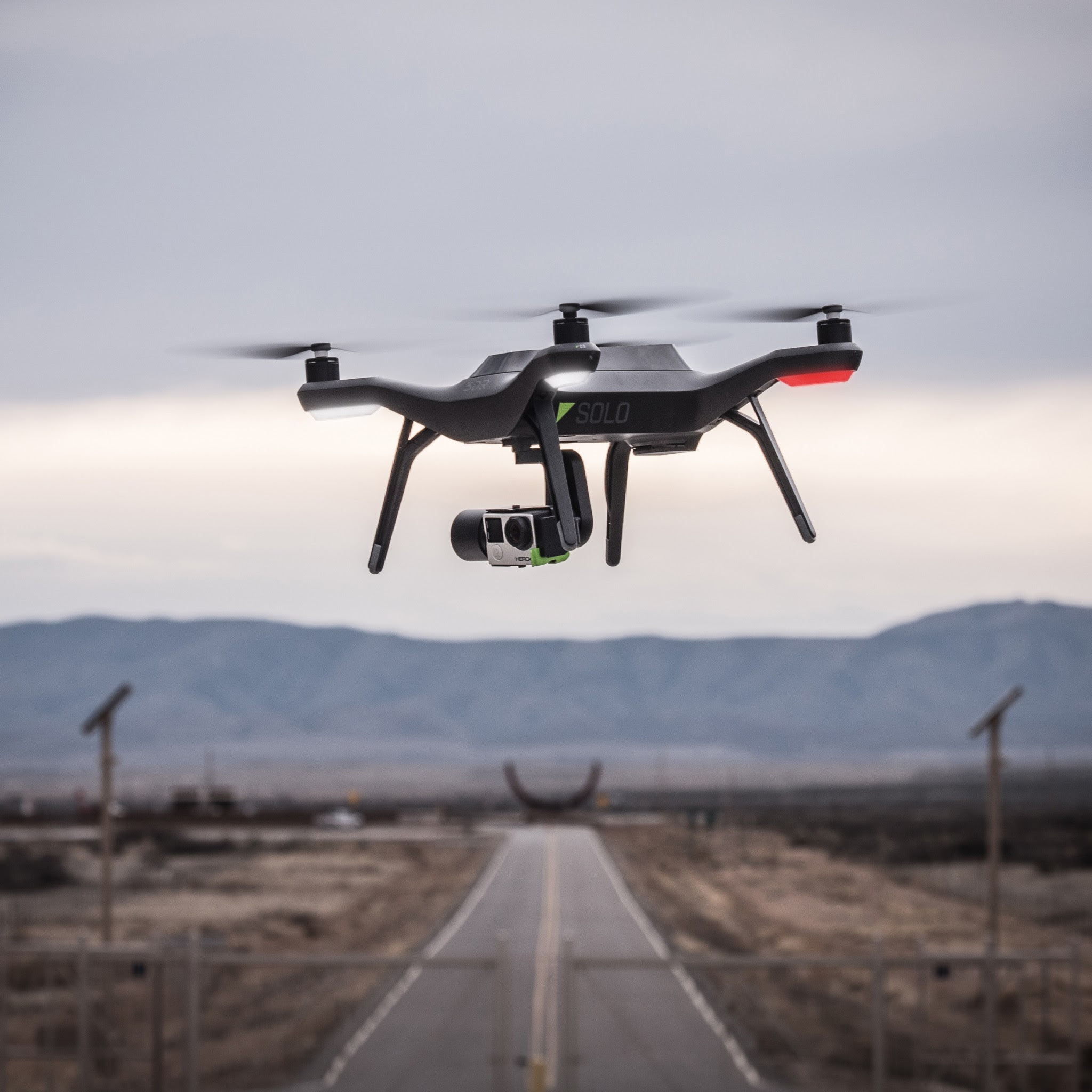 dji phantom 3 drone vs 3d robotics solo drone comparison story
