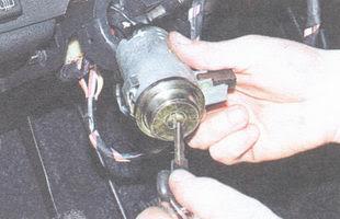 статья про выключатель (замок) зажигания ВАЗ 2106 - устройство, снятие, установка