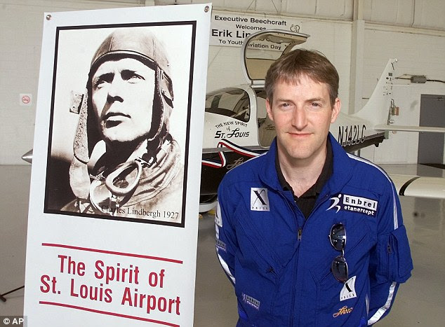 Hist  oric  links: Erik Lindbergh, the grandson of aviation pioneer Charles Lindbergh, was present to award the $10,000 Lindbergh Prize for Quietest Aircraft to the runner-up, Team e-Genius