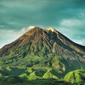 Gambar Pemandangan Gunung Krakatau