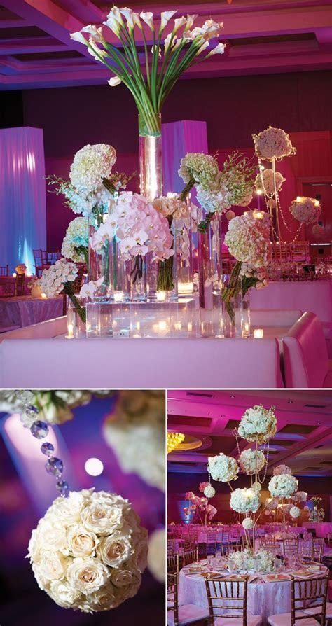 Pretty wedding reception decorations.   Wedding Decoration