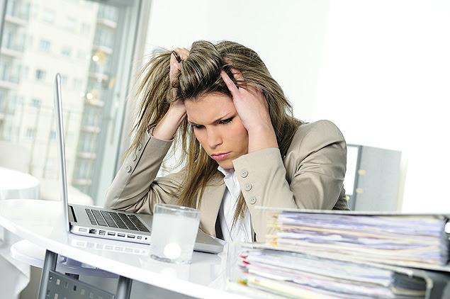 Cientistas mostram em estudo que mulheres ficam feias por causa de estresse; pressão também afeta fertilidade