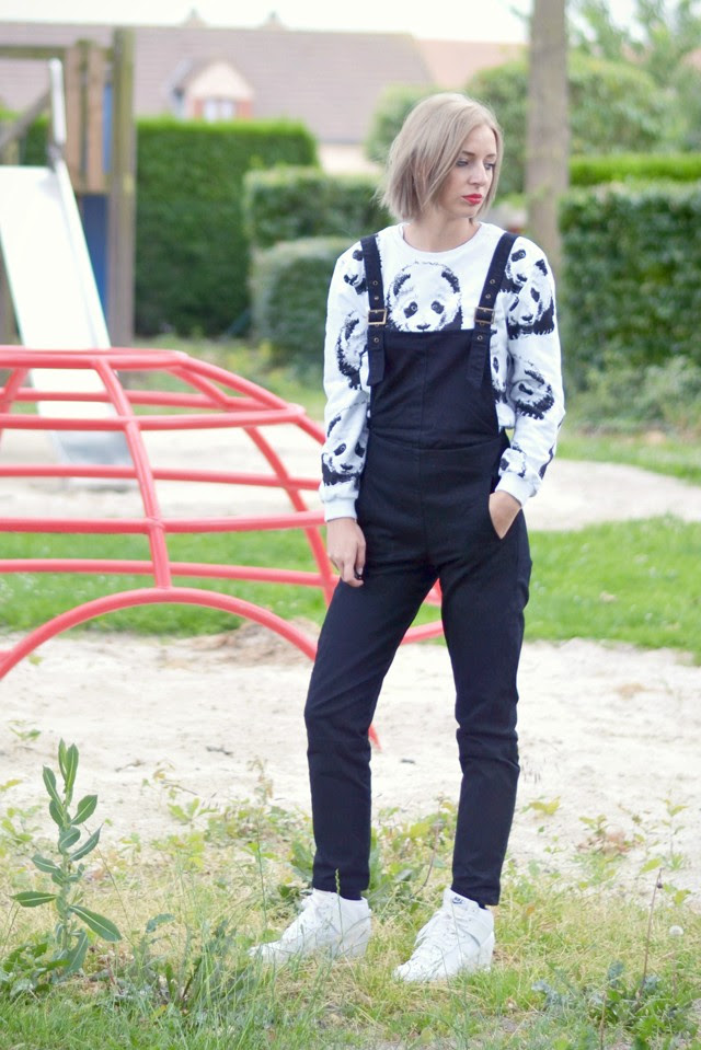 playground outfit wearing asos twill dungarees in black, mr gugu miss go basic panda sweatshirt sweater white nike dunk sky high mesh white wedge sneakers matt lipstick catrice it's a matt world outfit post fashion blogger turn it inside out belgium streetstyle