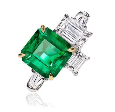 Central Park by Harry Winston, Emerald and Diamond Three