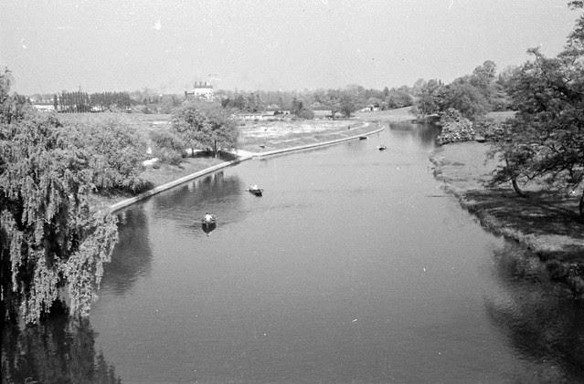 1603 Warwick Castle on river Avon