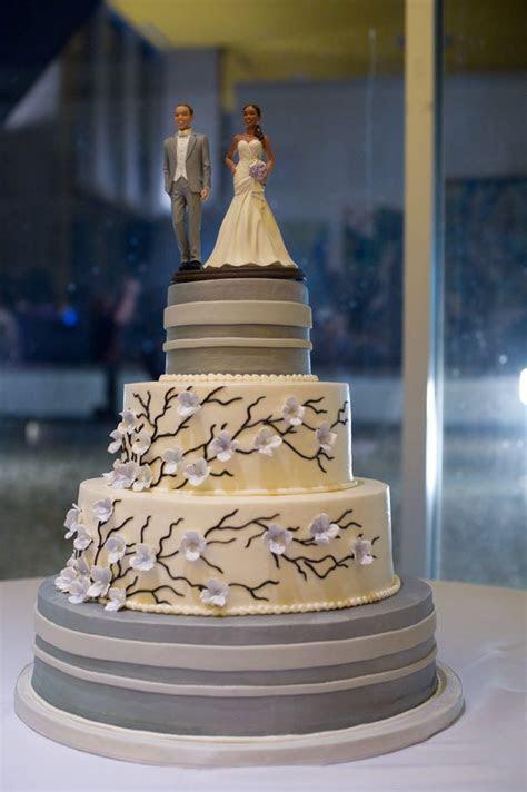 Louisiana Wedding With DIY Details   wedding cakes