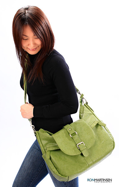 Kelly Moore Camera Bag B-Hobo Grassy - Carrying