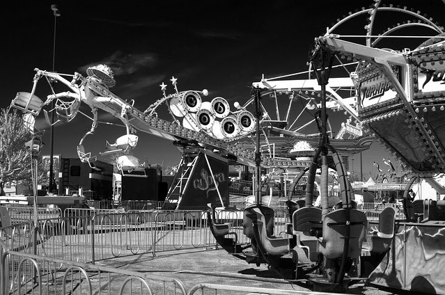 Infrared Circus Rides (DS3_9244)