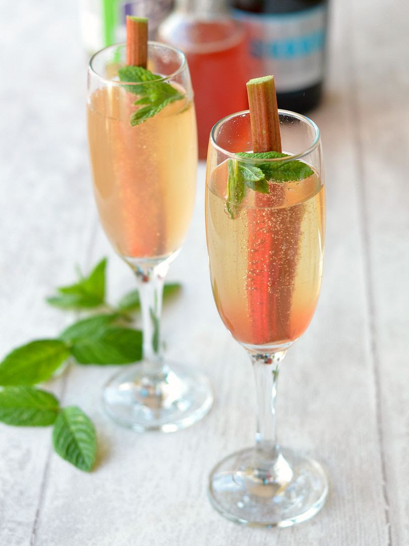 Rhubarb and Prosecco Fizz