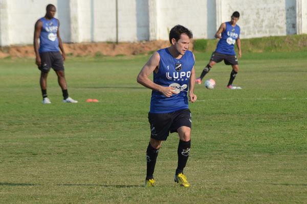 O volante Daniel Paulista volta ao time principal do Alvinegro