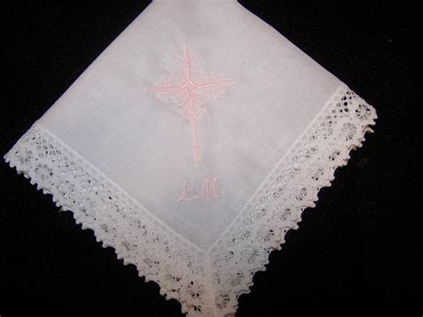 HOW TO EMBROIDER HANDKERCHIEFS   EMBROIDERY DESIGNS