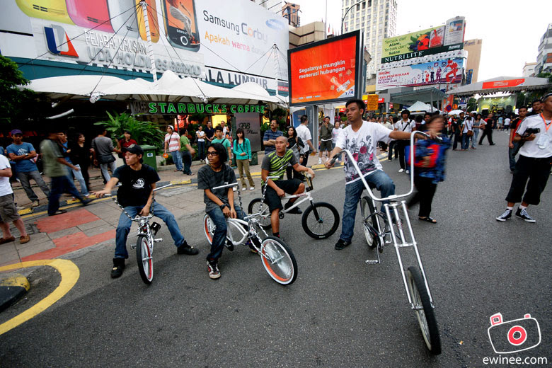TM-EveryoneConnects-Jalan-Bukit-Bintang-BikersGang
