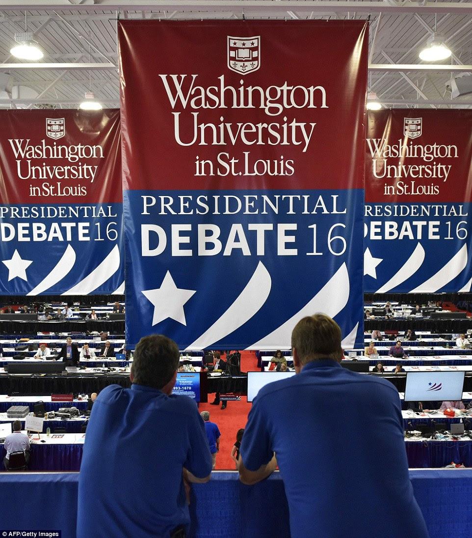 Uma visão geral mostra o centro de imprensa para o segundo debate presidencial entre o candidato presidencial republicano Donald Trump e rival democrata Hillary Clinton