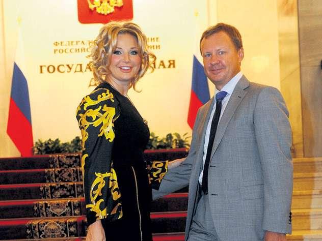 Жёны мелких паразитов в России живут слишком шикарно