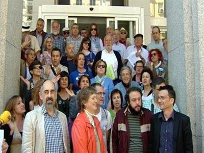 Miembros de la Plataforma que ha organizado la consulta/EP