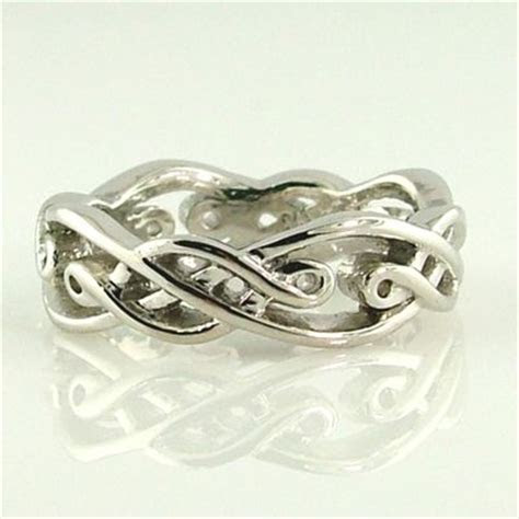 Irish Knot Wedding Band An open weave, Irish knot wedding