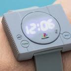 5edc79fb1fd Esse relógio inspirado no PlayStation 1 tem uma beleza questionável -  NerdBunker