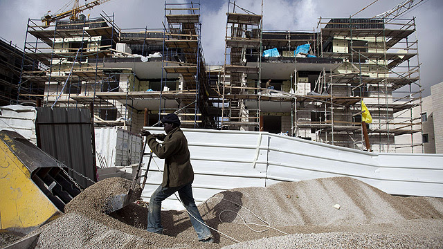 Construction in Gilo (Photo: AFP)