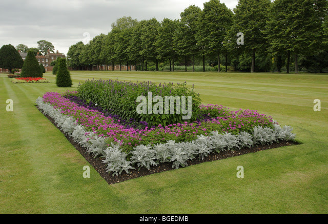 beautifully laid flower beds and well kept lawns in the north east bgedmb