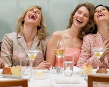 gaya tertawa  bisa dipakai  menebak isi pikiran
