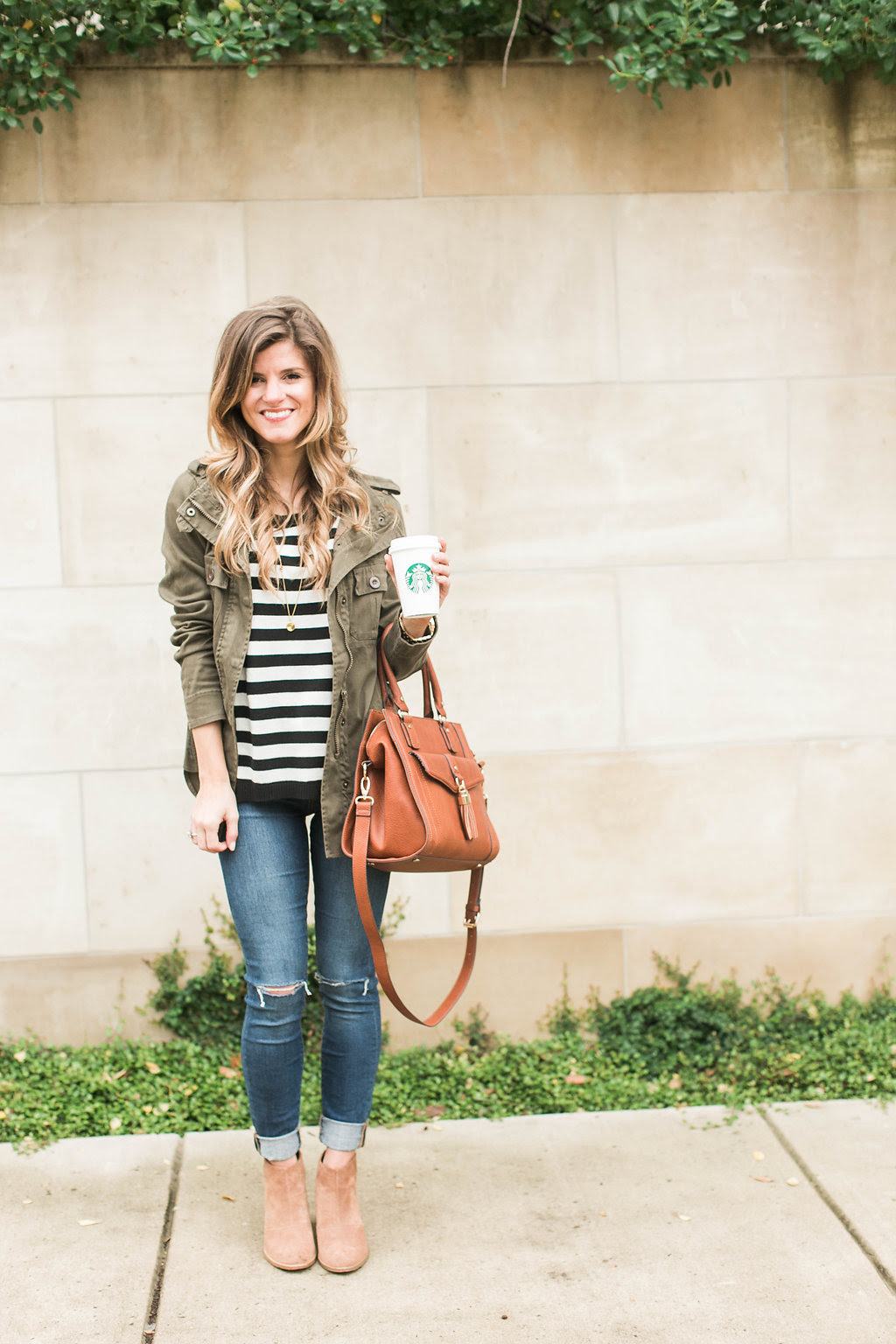 simple  cute fall outfit idea  stripes  cognac  green