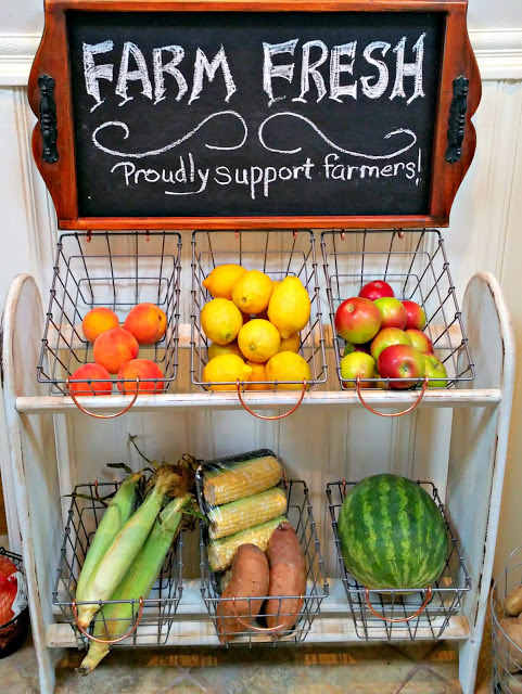 Farmhouse Vegetable Stand - Redo It Yourself Inspirations - HMLP 98 - Feature