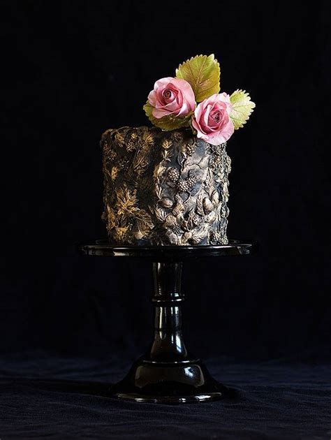 Black Single Tier Wedding Cake   Chic Vintage Brides