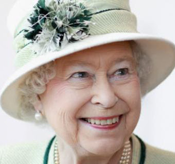 Portrait of The Queen, taken in 2002 © John Swannell/Camera Press