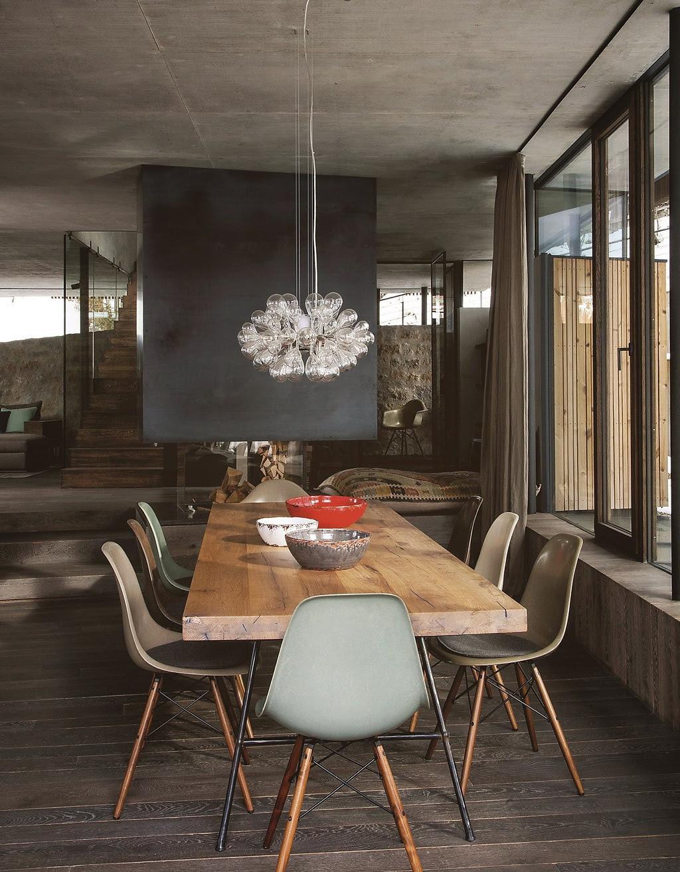 Decordemon a modern chalet in austria for Sedie design eames