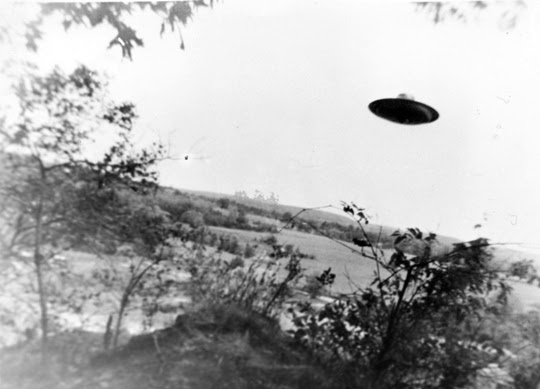 http://www.openminds.tv/wp-content/uploads/Trudell-UFO-photo-3.jpg