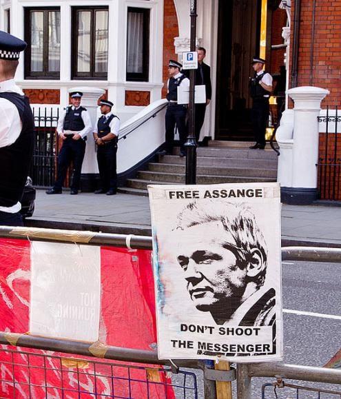 Žižek: Como o WikiLeaks nos abriu os olhos para a ilusão de liberdade