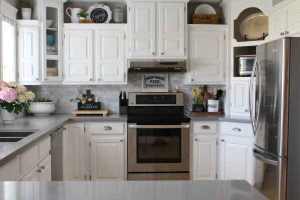 Clean and Scentsible - Spring Home Tour Kitchen