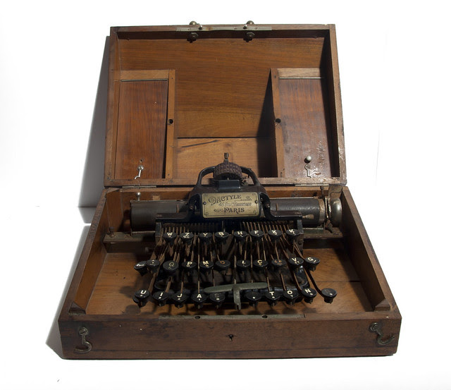 Dactyle typewriter