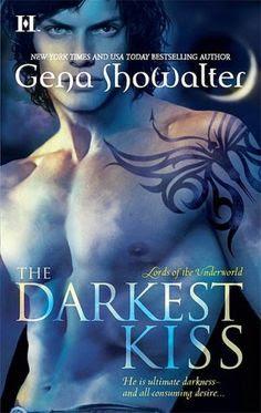 Continua la #ReLOTU , este mes leeremos The Darkest Kiss (Lords of the Underworld  #2) <3 LUCIEN & ANYA
