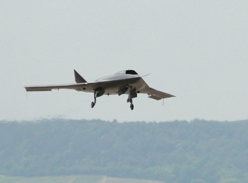 http://www.defenceaviation.com/wp-content/uploads/2009/12/rq-160.jpg