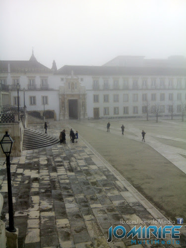 Nevoeiro sobre a Universidade de Coimbra